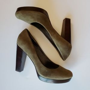 Banana Republic Dark Green Suede Heels (8.5)